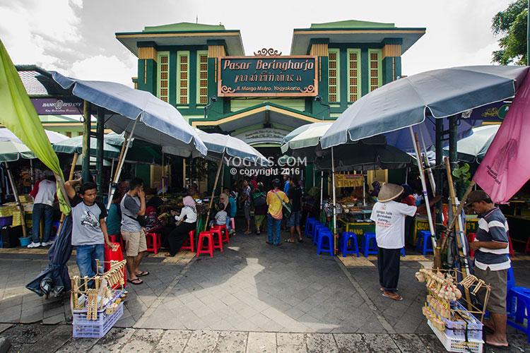 Pasar Beringharjo (google.com)
