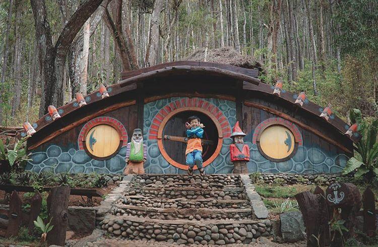 Rumah Hobbit Mangunan Jogja, Unik, Menarik dan Instagrammable